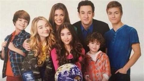 cast of girl meets world takes over times square good girl meets world pilot review honesty time