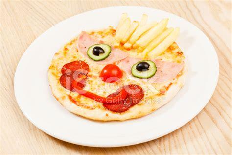 Premium Mozza Kid pizza for stock photos freeimages