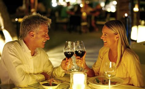 dating dinner the best date locations stitch