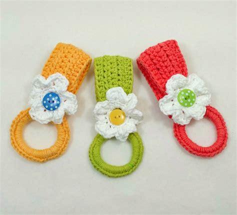 pattern crochet dish towel holder daisy towel holder fun and easy to make free crochet