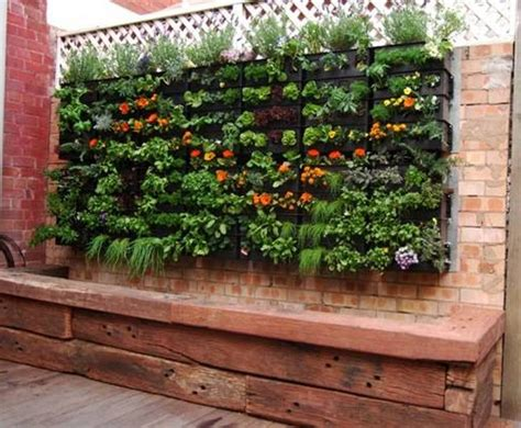 Small Patio Vegetable Garden Ideas Round Beds Decorating Ideas For Small Garden Spaces