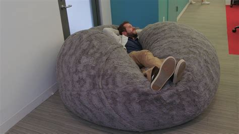 is losing its mind lovesac pillow chair