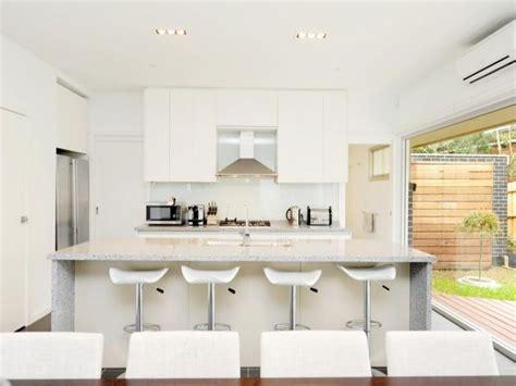 Kitchen Laminates Designs by Modern Kitchen Dining Kitchen Design Using Laminate