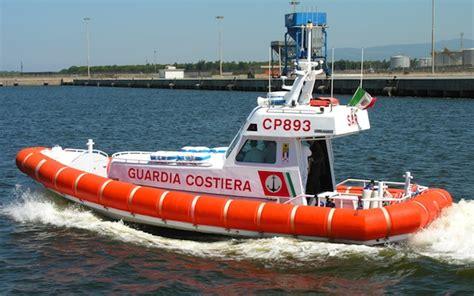 capitaneria di porto oristano gommone in difficolt 224 a torre grande soccorso dalla