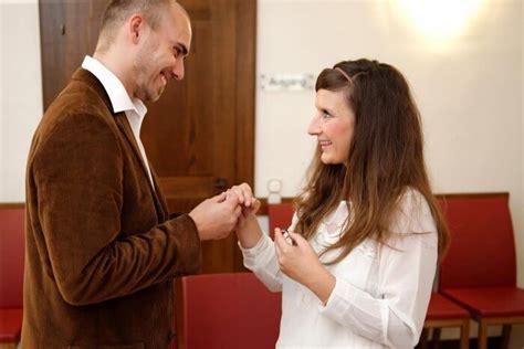 Hochzeit Zu Zweit by Hochzeit Zu Zweit So Sch 246 N Kann Heimlich Heiraten Sein