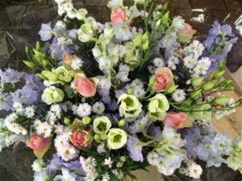 bloemen bezorgen in restaurant grote boeketten haarlem bloemenkiosk jan cop haarlem