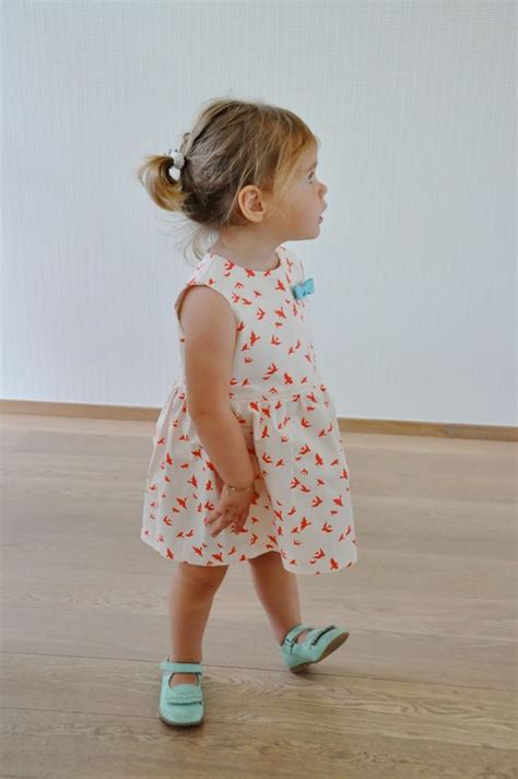 baby jurk patroon emma en mona gratis patroon babyjurk grace naaien