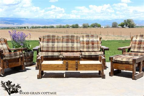 Outdoor Patio Furniture Makeover   The Wood Grain Cottage