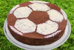 fussball kuchen backen leckere rezepten zum fu 223 ballgeburtstag torten kuchen