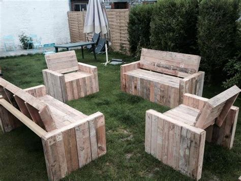 Poolside Benches Diy Beefy Pallet Benches And Chairs