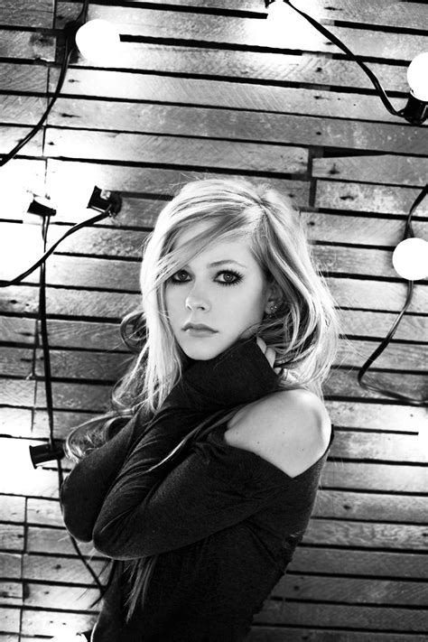 [搖滾天后] Avril Lavigne 艾薇兒 第四張專輯Goodbye Lullaby~What the