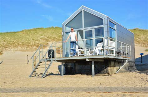 huis aan strand slaapstrandhuisjes nederland vakantiehuisje aan zee