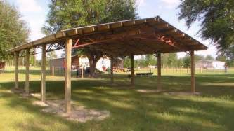 pole barn trusses steel truss pole barn building pictures to pin on