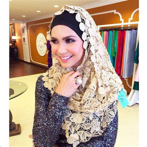 che ta bertudung til manis stailista dengan hijab padusi couture oleh