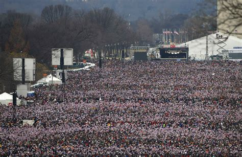 picture of inauguration crowd prayers at morning service swearing in ceremony mark