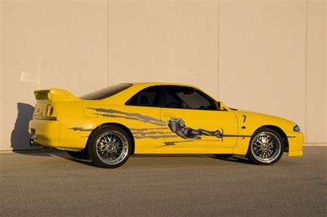 design house skyline yellow motif wallpaper nissan skyline r33 leon the fast and the furious nissan