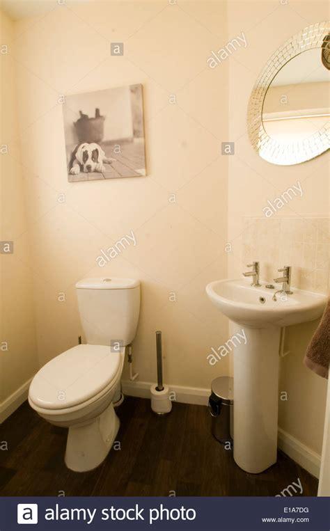 british bathroom loo modern average house home decoration decorated average