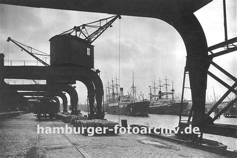 welche schiffe liegen im hamburger hafen foto historischer hafenkran bilder hafenkraenen im