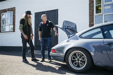 magnus walker house outlaw v outlaw magnus walker drives ps works clubsport