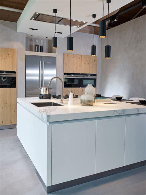 houten keuken met wit blad eiken keuken met wit blad