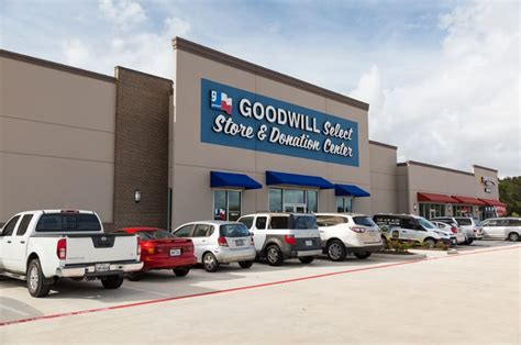 store locations goodwill hours open closed 2017 near me locations