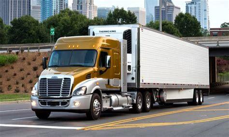 semi truck manufacturers best semi truck manufacturer battle freightliner vs