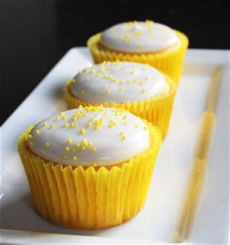 cupcake lights cupcakes light de lim 243 n comida sana