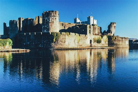 United Luggage by 15 Fairytale Castles You Must See In Wales Hand Luggage