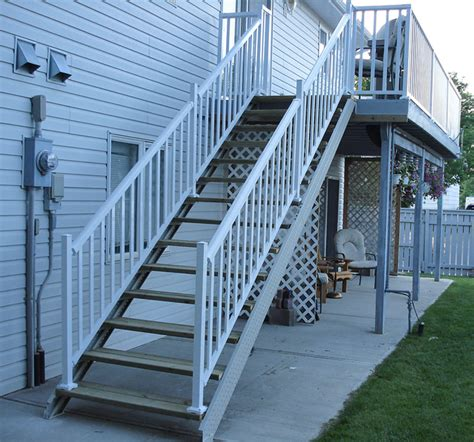 Cost Of Garage Apartment by Deck Stair Stringers By Fast Stairs Com