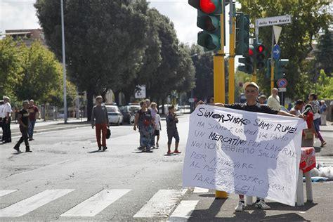 via della vasca navale 6 roma foto marconi la protesta dei rom quot s 236 al mercato della