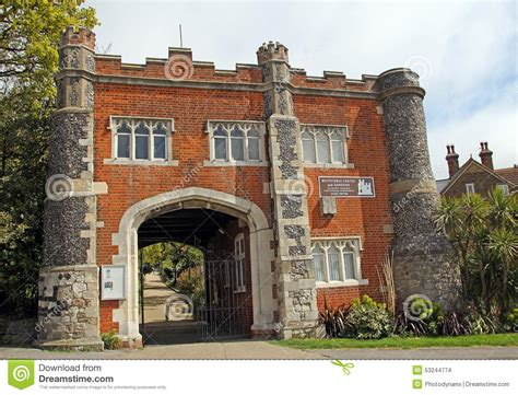 gate house designs castle gatehouse design www imgkid com the image kid has it