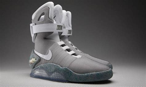 imagenes nike mag back to the future marty mcfly s self tying trainers on