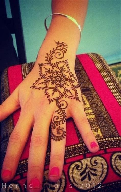 where to get a henna tattoo near me 25 best ideas about henna designs on henna