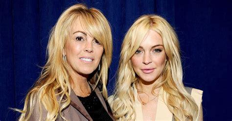 Momma Lohan Gets Fingered by Dina Lohan Explains Lindsay Lohan S New