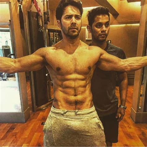 Forget Bulge Varun Dhawan Doesn T Even Mind Going Nude On