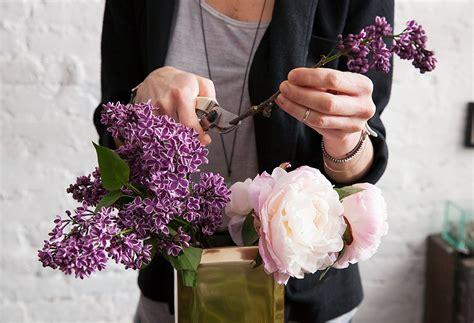 flower arranging basics flower arranging tips from flower girl nyc one kings