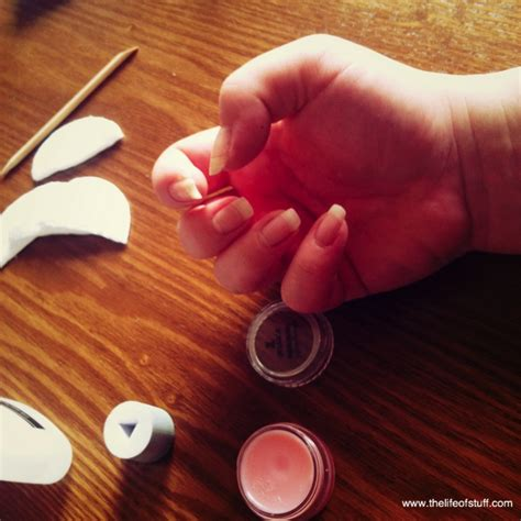 how to remove shellac nail at home
