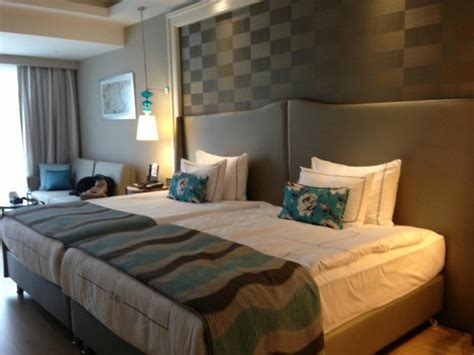 Two Mattresses Together by Room Two Separate Beds Joined Together Picture