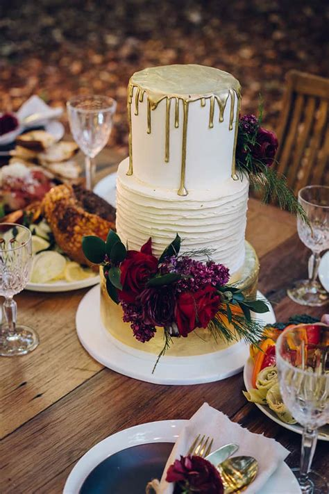 modern rustic wedding inspiration   feasting style