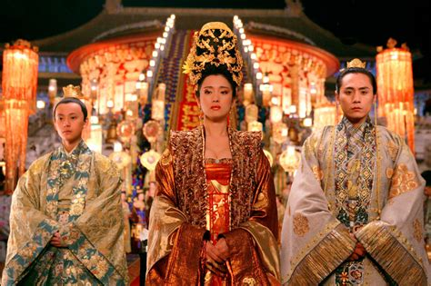 chinese film golden flower the exuberant cinematography of zhang yimou scene360