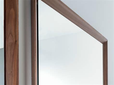 specchi con cornice in legno specchio da terra con cornice in legno specchio da terra