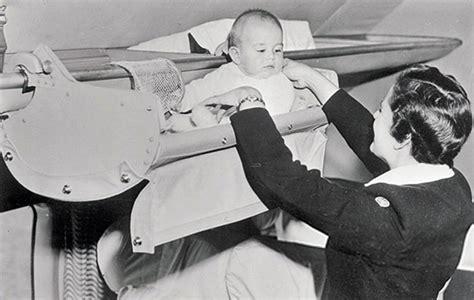 tips naik pesawat balita tak biasa begini cara unik balita naik pesawat pada 1950