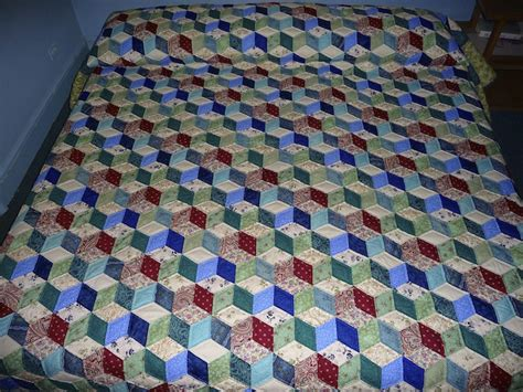 Free Tumbling Blocks Quilt Pattern by Tumbling Blocks Amish Quilts From Amish Spirit