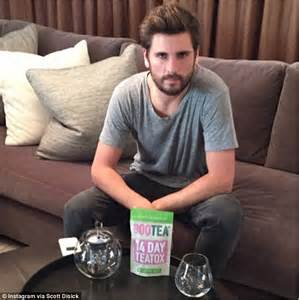 Fit Tea 28 Day Detox Uk by Disick Plugs Tea Detox After Partying In Aspen