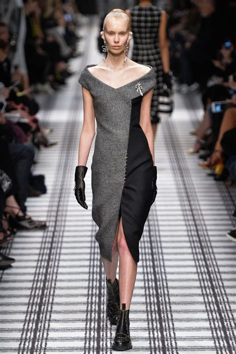balenciaga in 2019 best fashion week looks a w balenciaga automne hiver 2015 hiver 2015