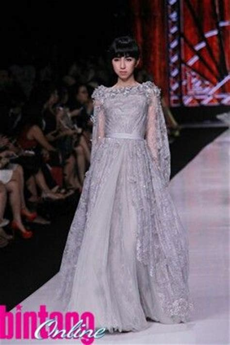 kebaya ivan gunawan 1000 images about kebaya on pinterest ux ui designer