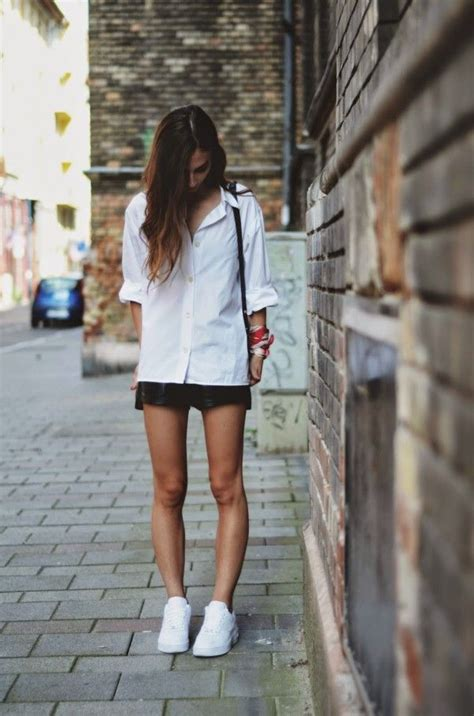 7 Best Fashion Blogs by Wearing Nike Air 1 Fashion Cool