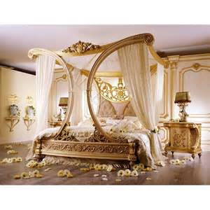Beautiful royale golden cleopatra canopy bed