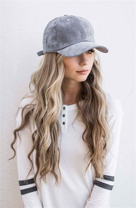 baseball hair styles hannahohx beach waves baseball cap hair