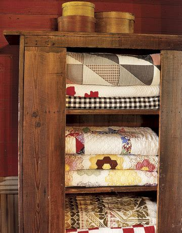 Display Cabinets For Quilts Displaying Quilts Part 2 171 Cornbread Beans Quilting And